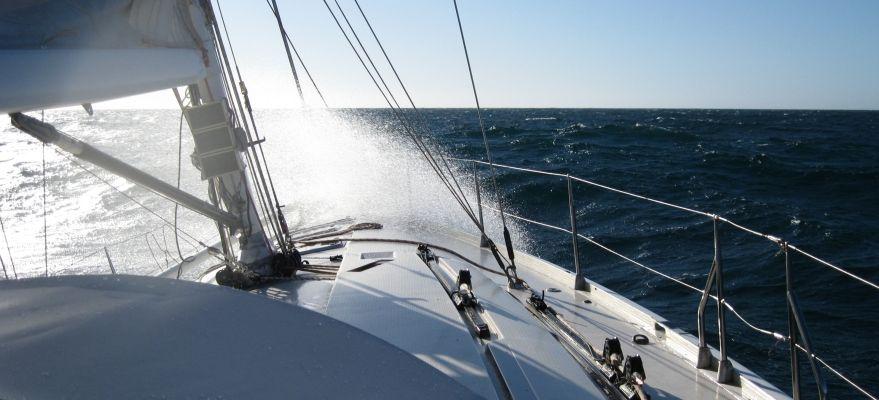 voilier-sunfast52-intrepid-face-au-vent